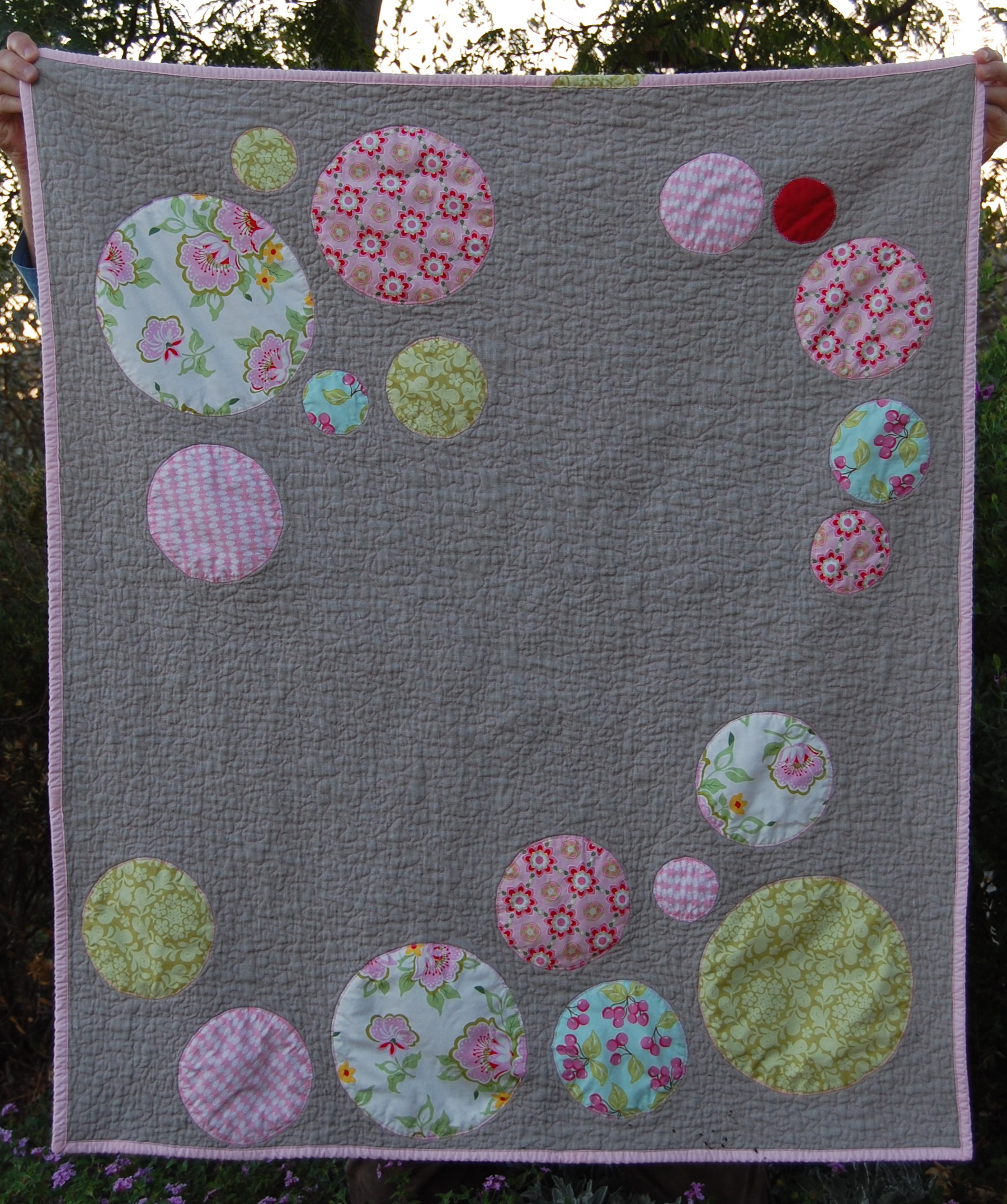 Comfort And Joy Circle Quilt Tutorial Blooming Poppies