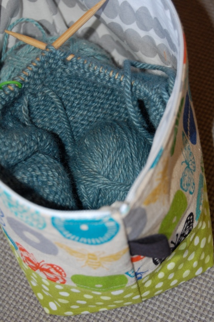 Kniting project holder